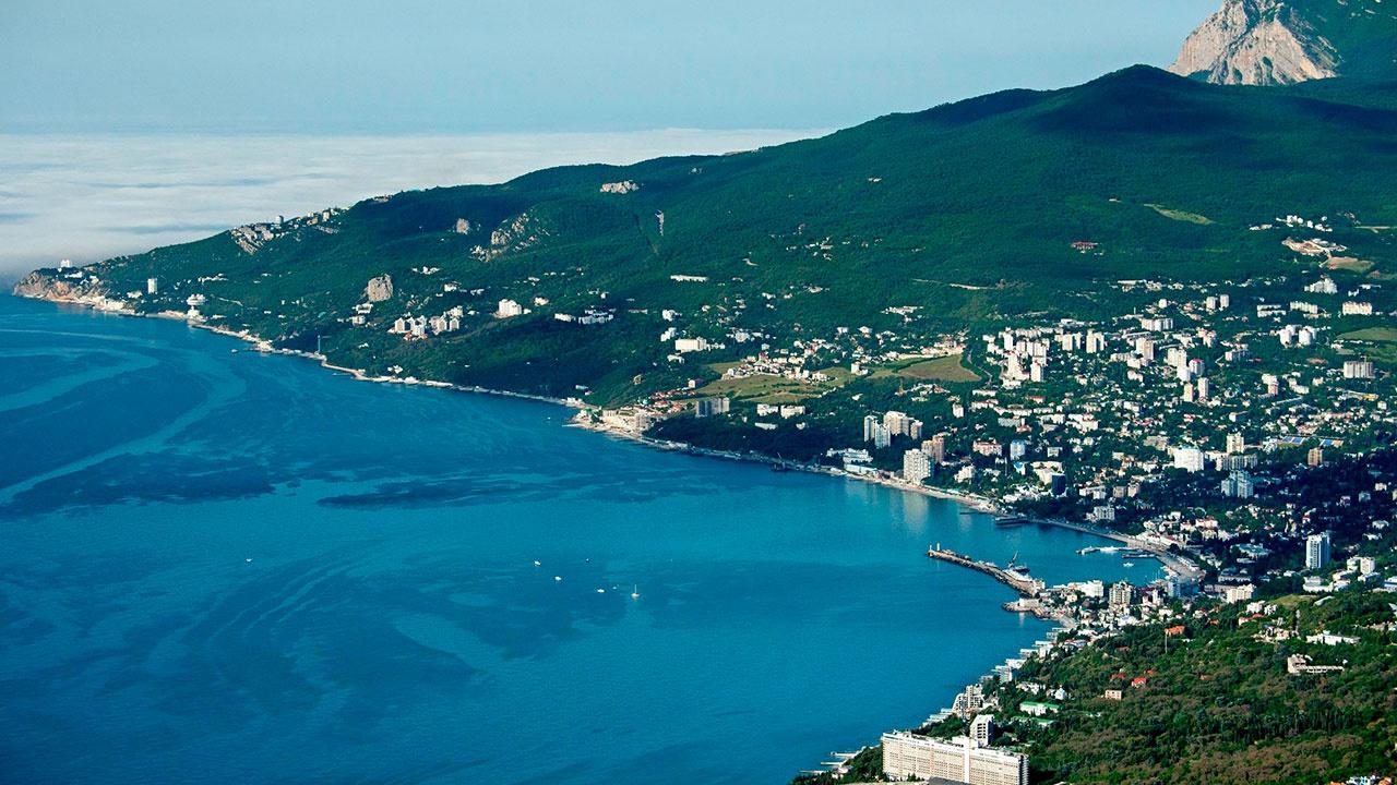 В Крыму объяснили закрытие части акватории Черного моря