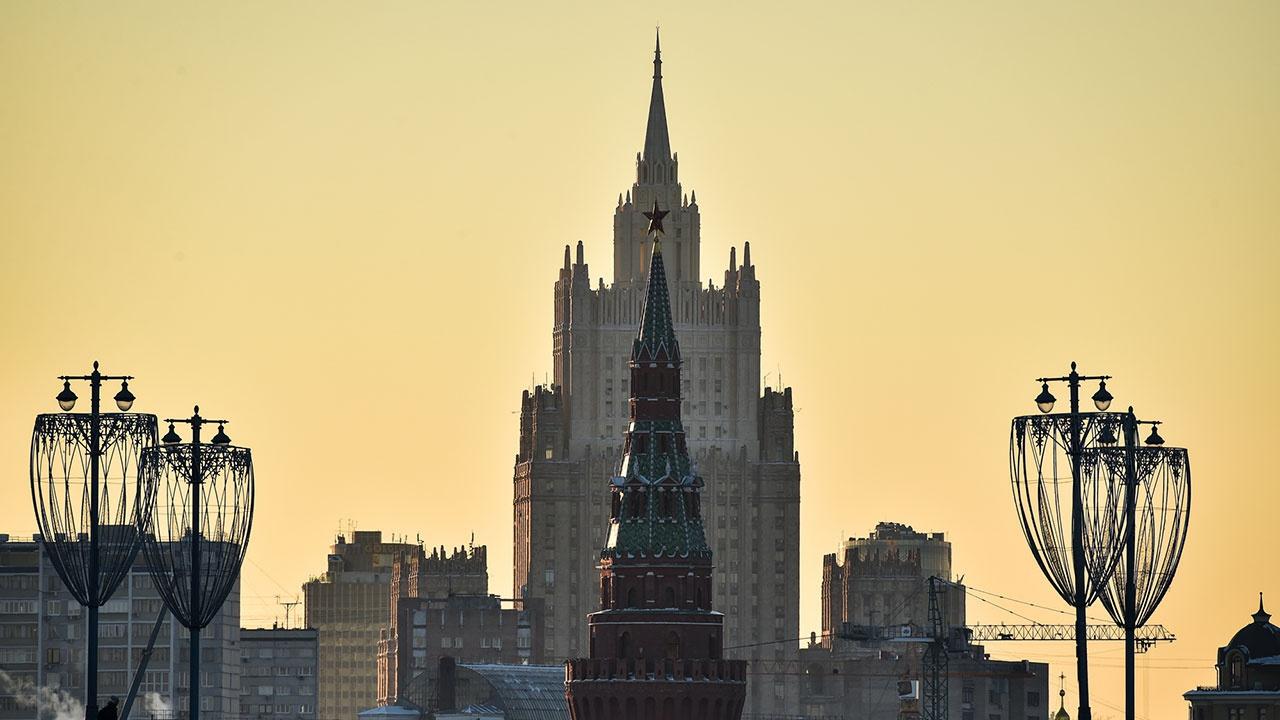 В МИД РФ оценили требование Чехии «вернуть» земли у посольства в Праге