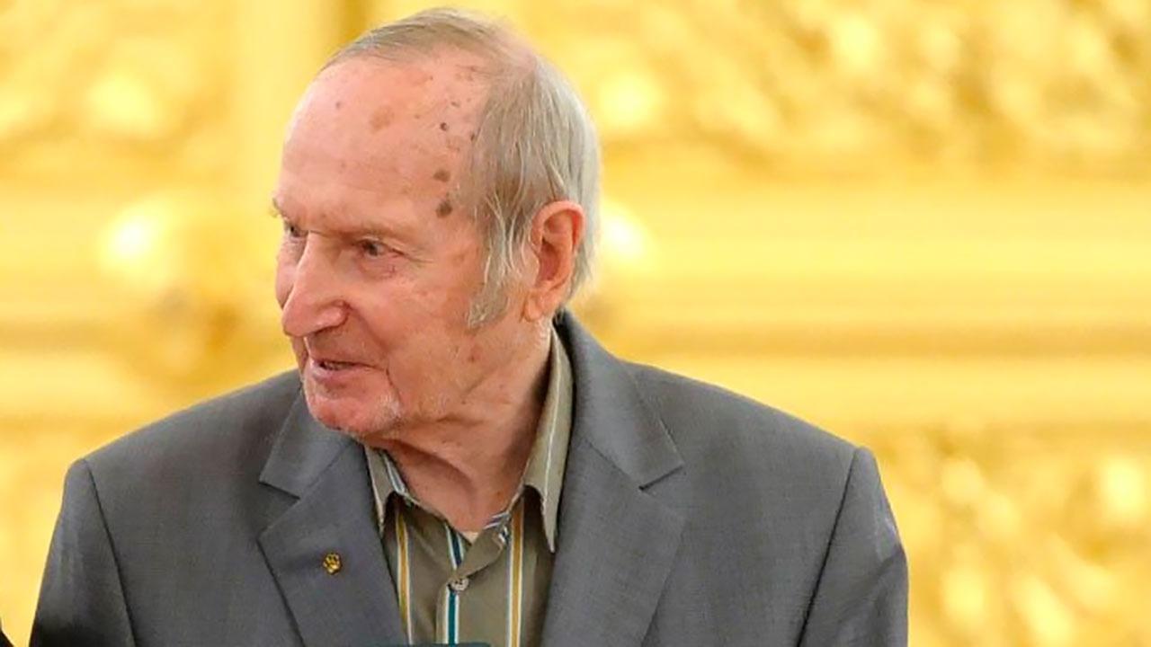 Умер первый чемпион мира в составе Сборной СССР по хоккею Виктор Шувалов