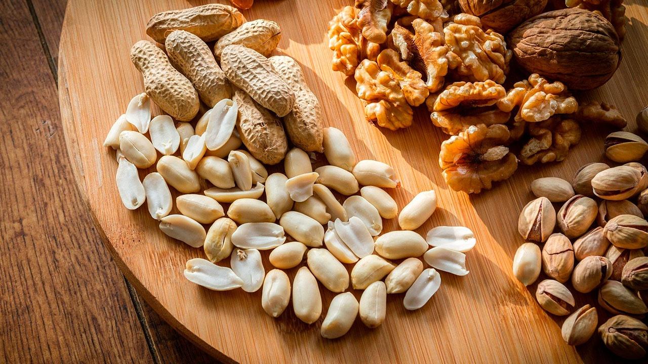 Названа безопасная норма орехов в сутки