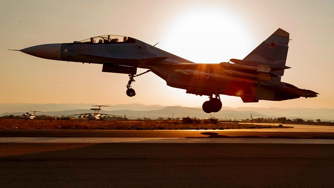 ВКС РФ уничтожили замаскированную базу террористов в Сирии