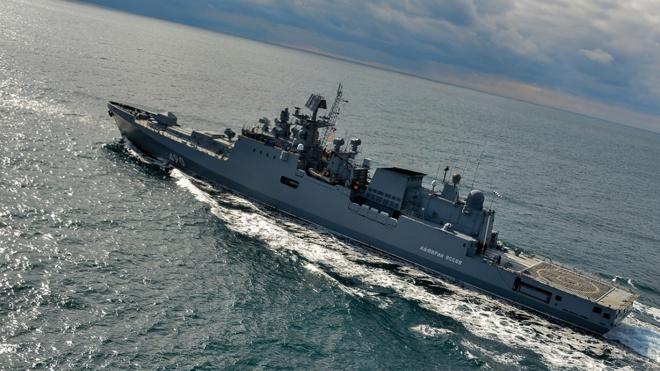 Более 20 российских кораблей провели учения со штурмовиками в Черном море