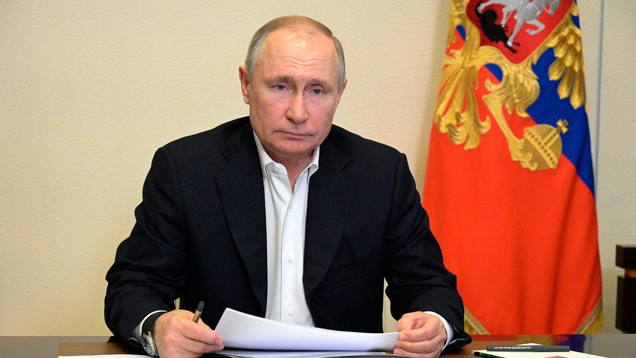 Путин подписал закон о штрафах за высадку детей-безбилетников из транспорта
