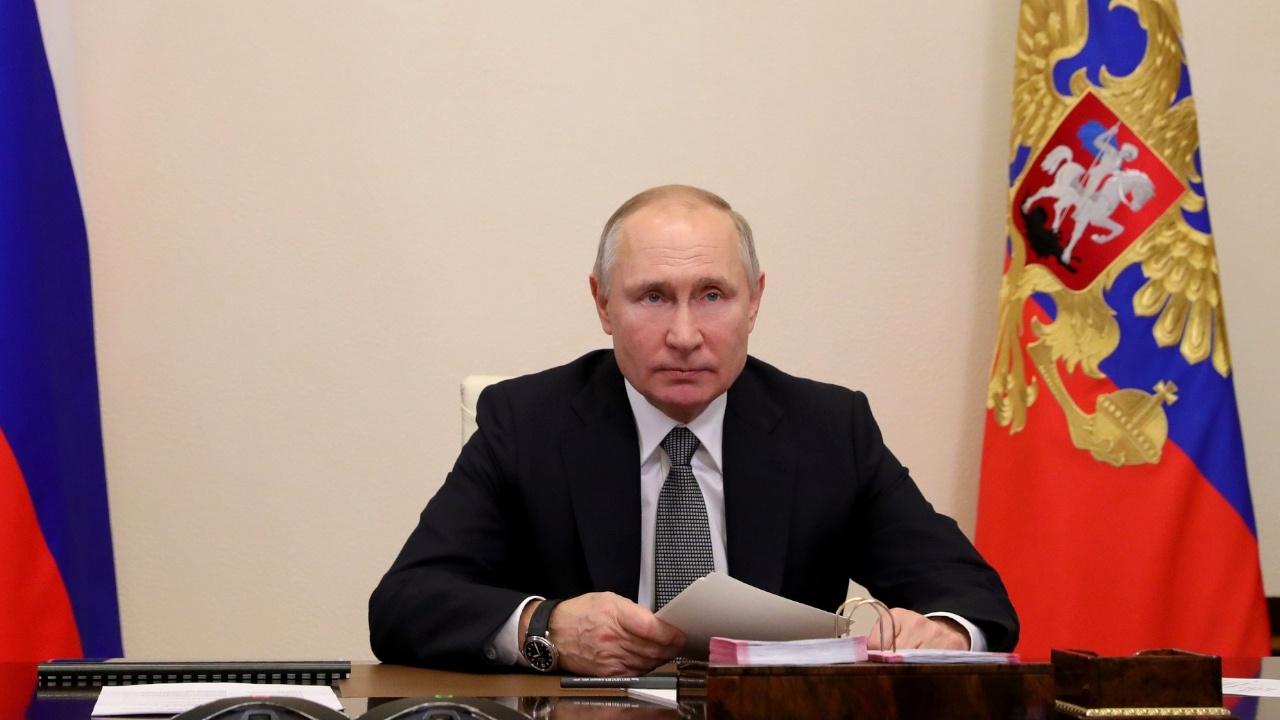 В Кремле рассказали о самочувствии Путина после второй прививки от COVID-19