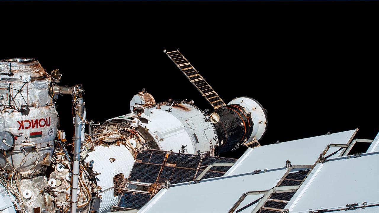 Космический рекорд: в Роскосмосе назвали дату отстыковки «Прогресса МС-14»