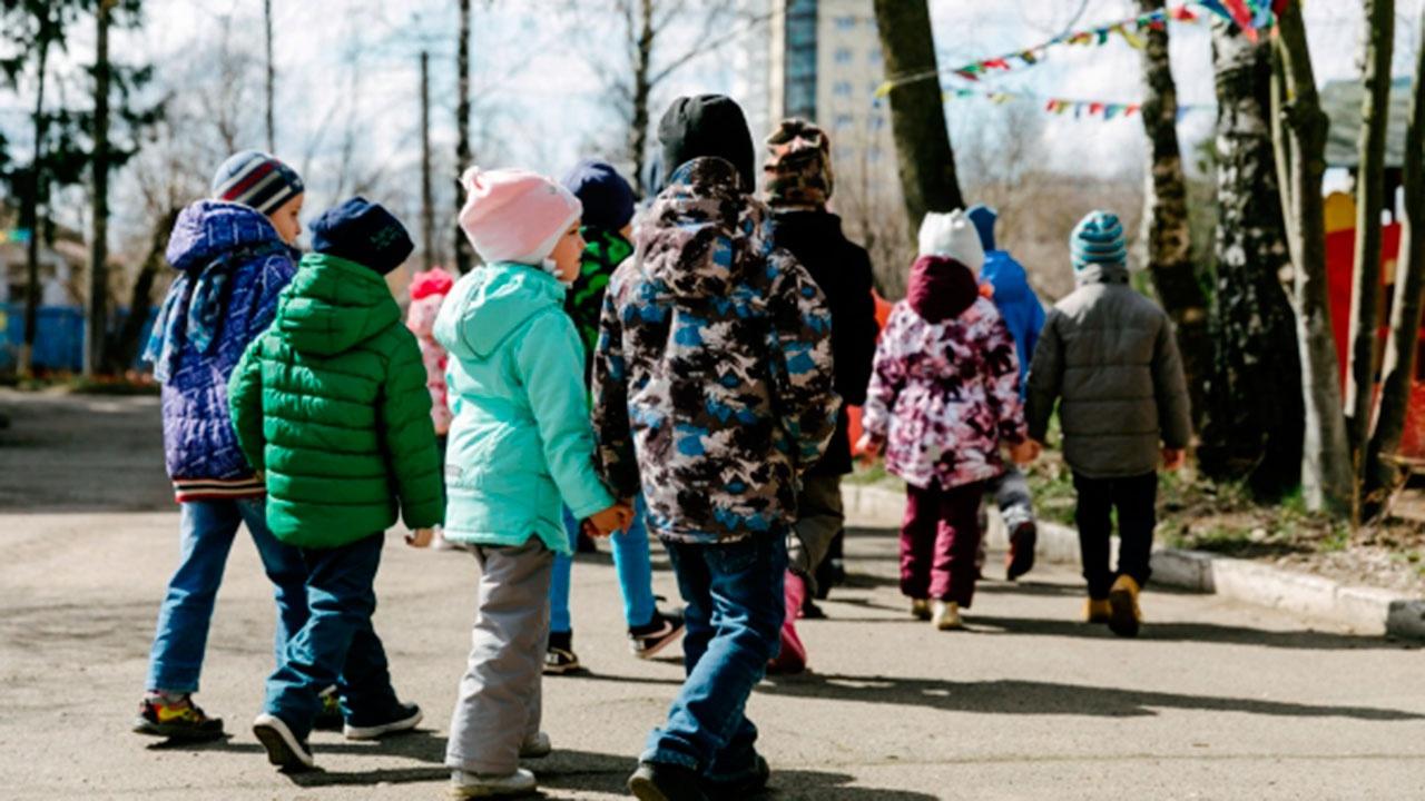 Путин поручил кабмину доложить о создании дополнительных мест в детских садах