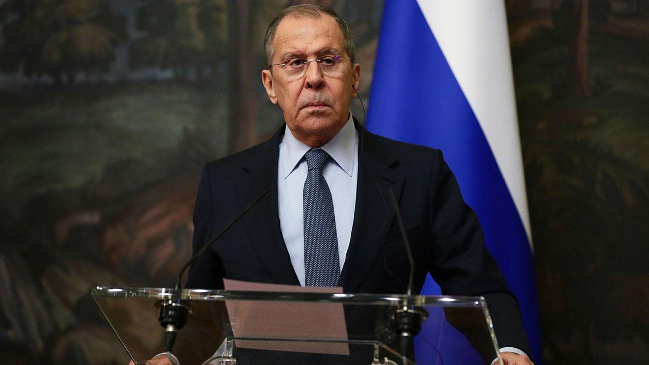 Лавров заявил о наличии у России собственной базы для создания аналога системы SWIFT