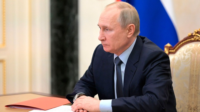 Путин обсуждает с членами Совбеза ситуацию в Каспийском регионе