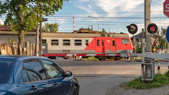 В России увеличились штрафы за нарушения ПДД на железнодорожном переезде