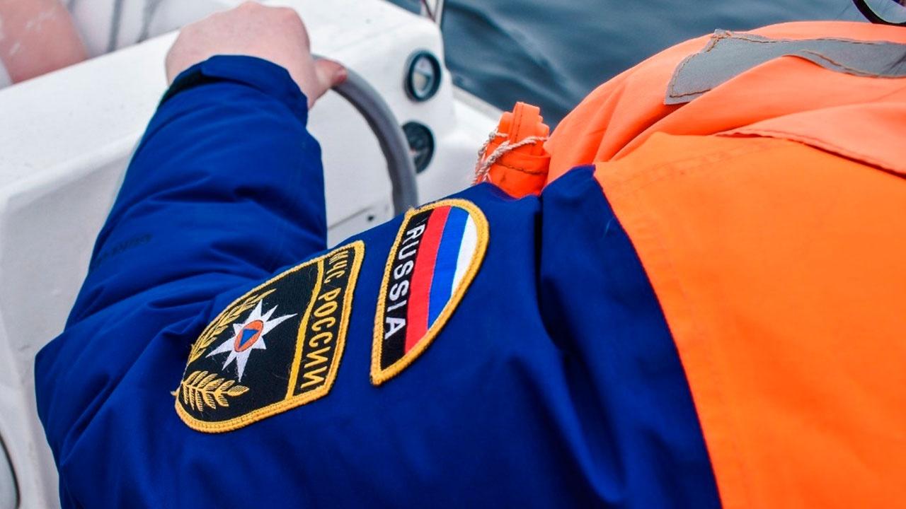 Три рыбака погибли во время шторма в Мурманской области