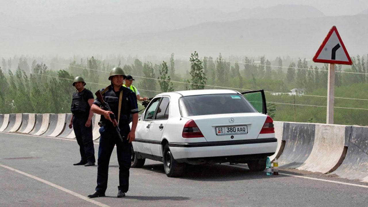 СМИ: Киргизия и Таджикистан договорились о полном прекращении огня на границе