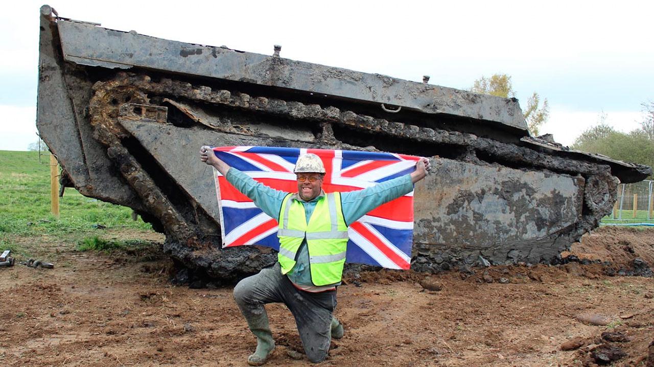 Британский фермер выкопал на поле танк, пропавший более 70 лет назад