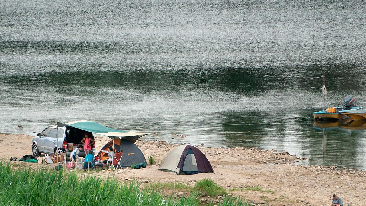 Майские без проблем: врач объяснил, как провести пикник безопасно