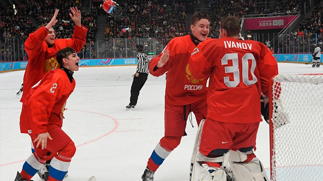 Сборная РФ по хоккею обыграла Белоруссию и вышла в полуфинал ЮЧМ-2021