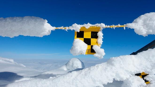 Трое под снегом: в Бурятии на группу туристов сошла лавина
