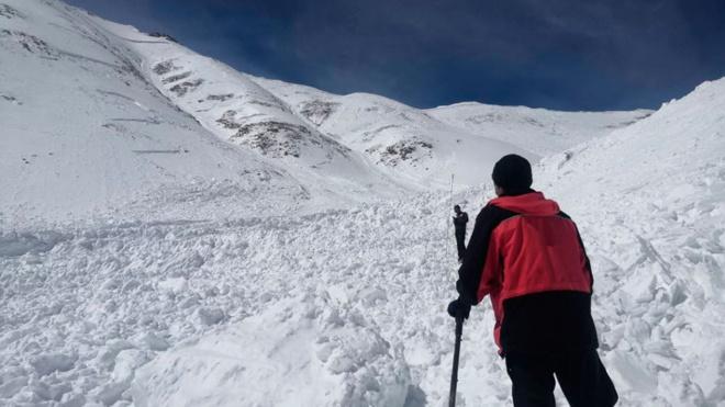Океаны снега: опубликованы новые кадры поисково-спасательной операции в Бурятии