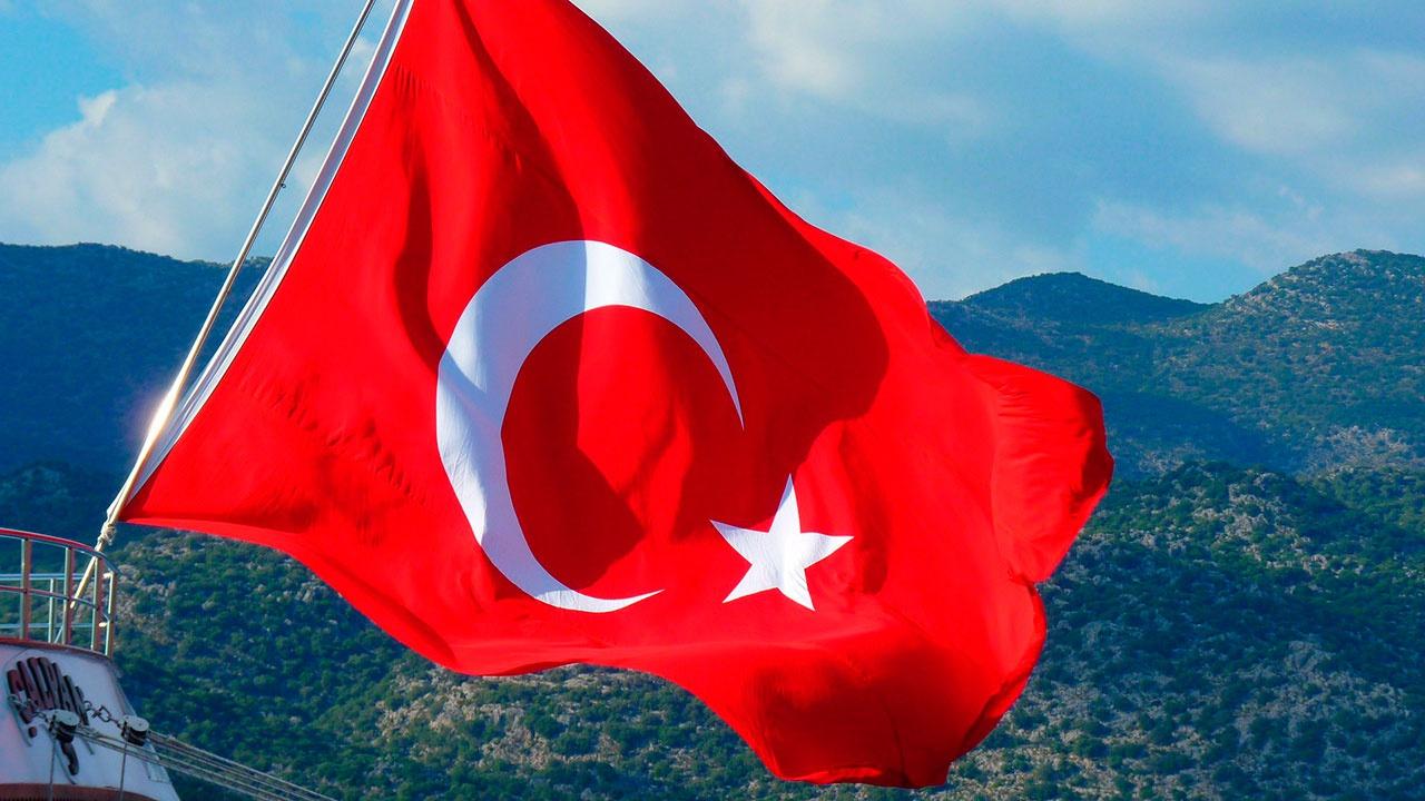 Вечеринка без масок: раскрыты детали скандала с украинскими туристами в Турции