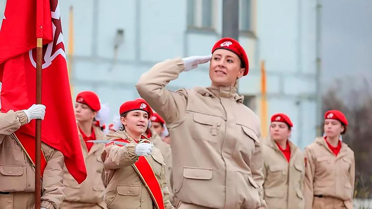 Стало известно, кто возглавит парадный расчет юнармейцев на Красной площади в Москве
