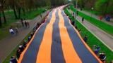 Символ Победы: в Смоленске развернули самую большую георгиевскую ленту в мире