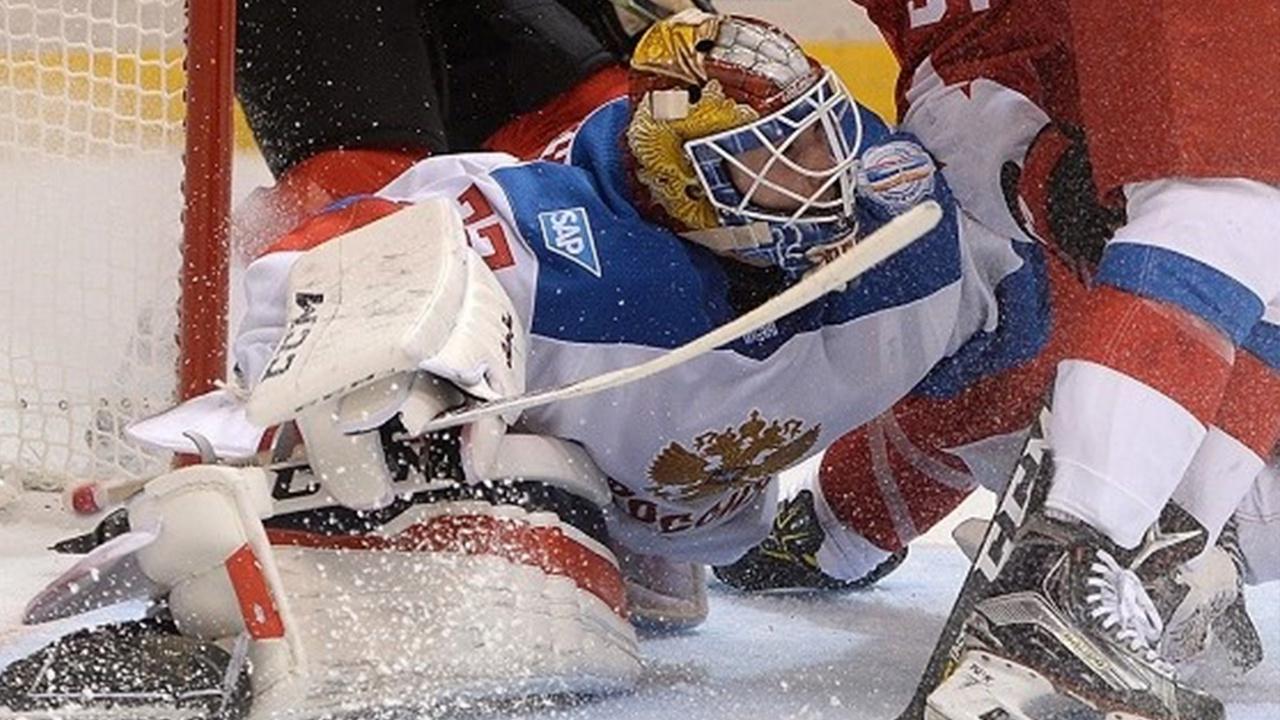 Сборная России по хоккею уступила канадцам в финале ЮЧМ