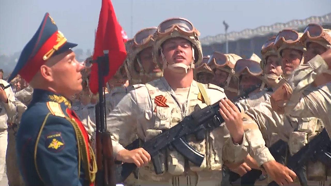 На авиабазе Хмеймим прошла генеральная репетиция парадного шествия ко Дню Победы