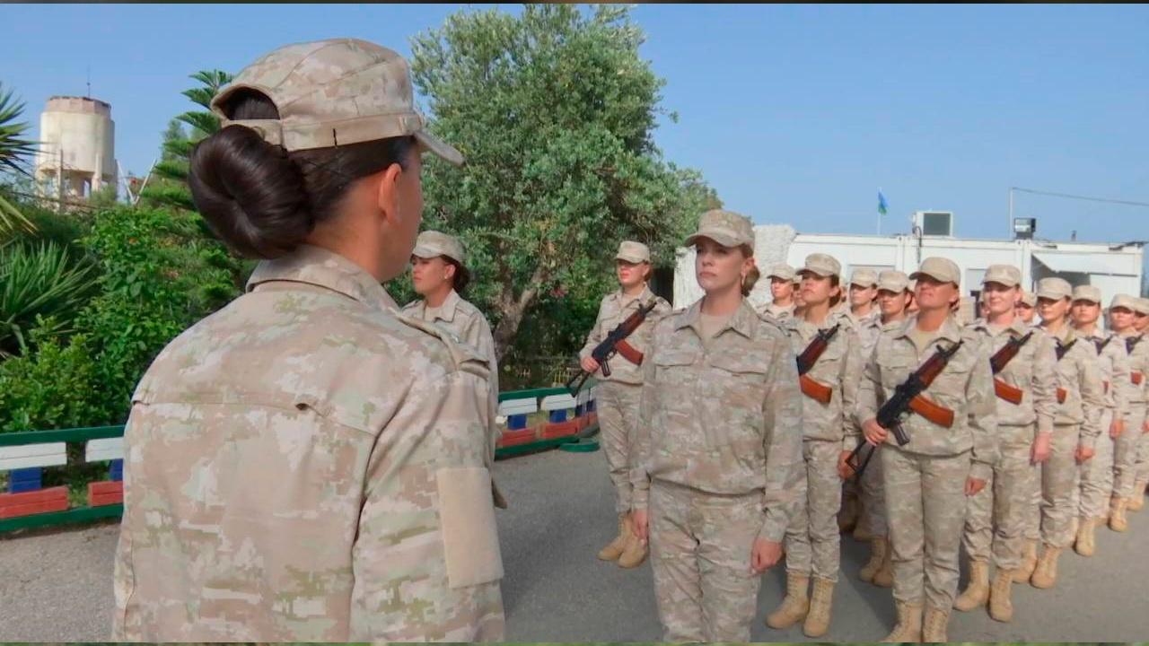 Под жарким солнцем: женский расчет пройдет в парадном строю в День Победы на авиабазе Хмеймим