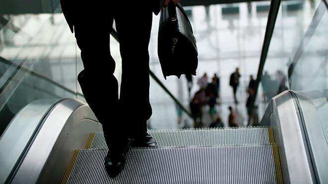 Россияне назвали профессии с самыми неоправданно высокими зарплатами