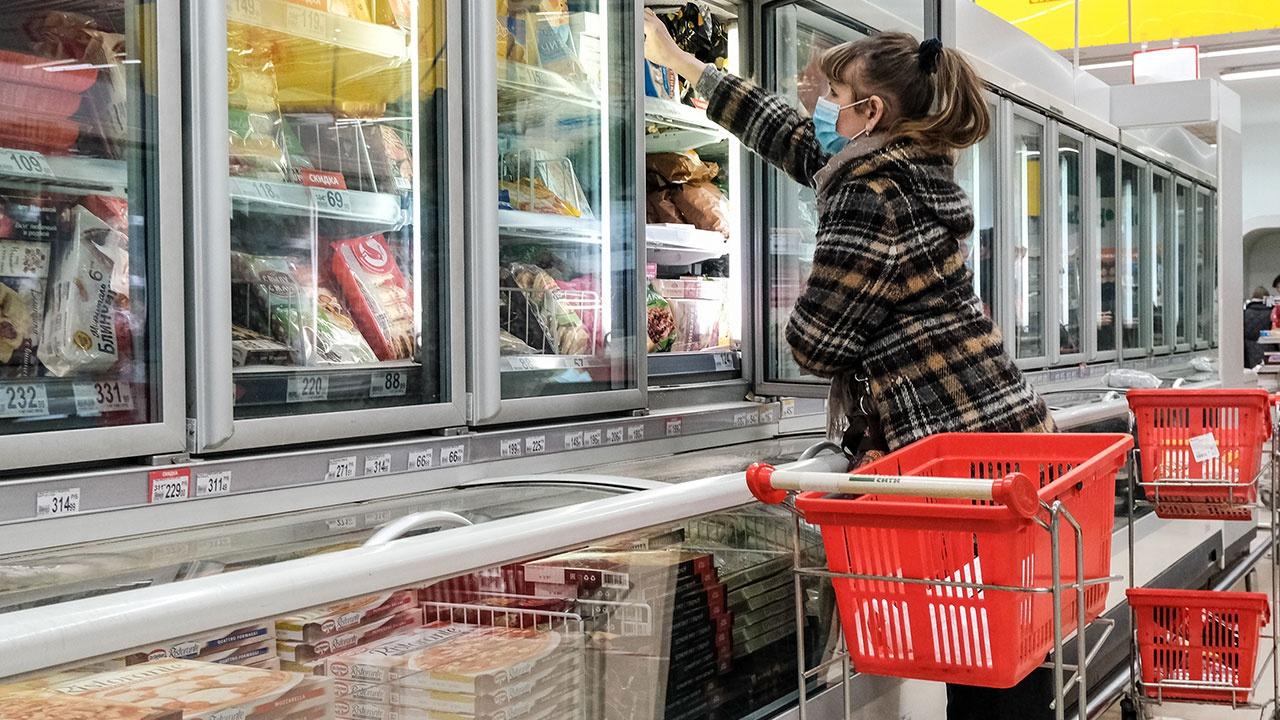 Признанный небезопасным в ЕС пищевой краситель E-171 проверит Роспотребнадзор