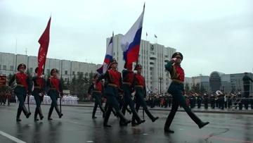 «Тигры» на земле и «Аллигаторы» в небе:  как прошел Парад Победы в Хабаровске