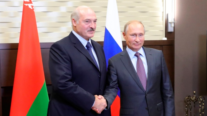 Путин и Лукашенко обменялись поздравлениями с Днем Победы в ходе телефонного разговора