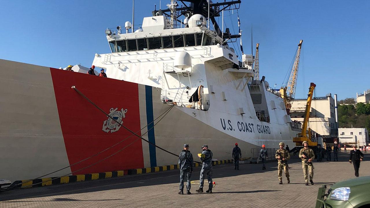 Американский фрегат вошел в порт Одессы