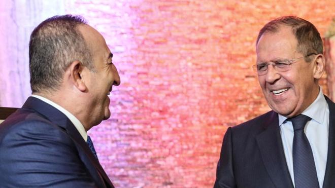 СМИ: Лавров обсудил по телефону события в Иерусалиме с Чавушоглу