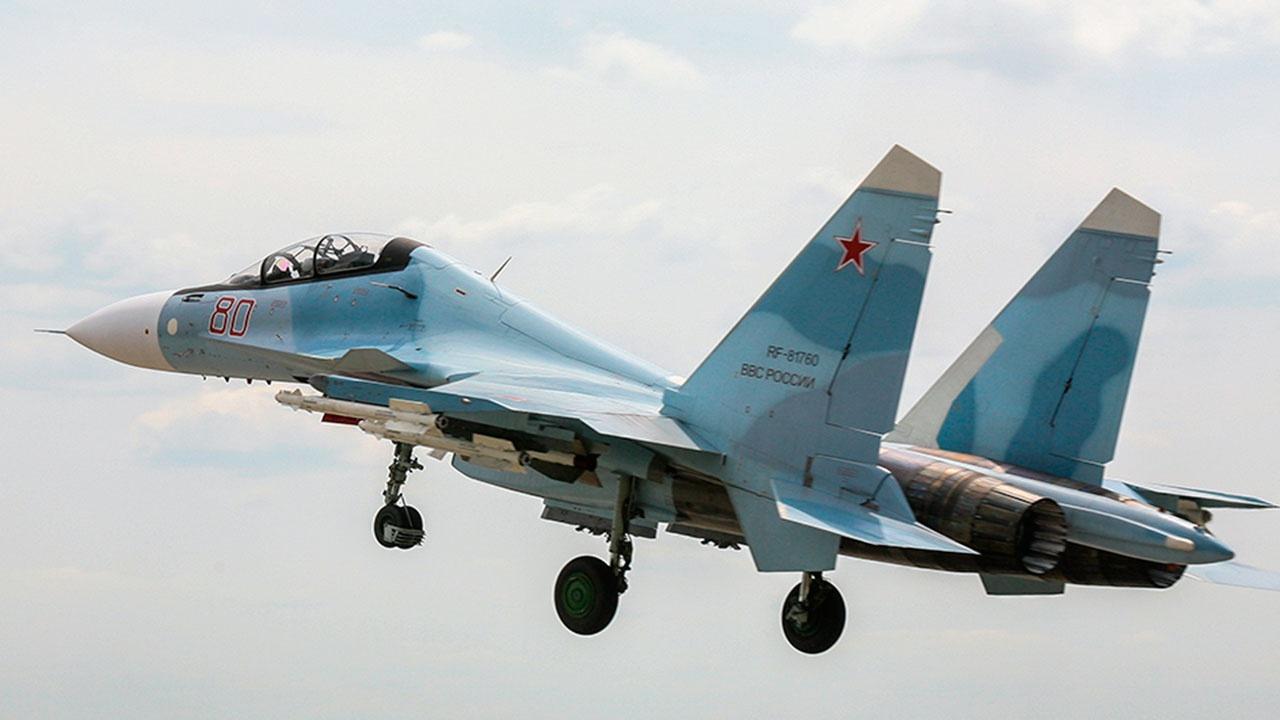 Су-30 перехватил над Черным морем три военных самолета Франции