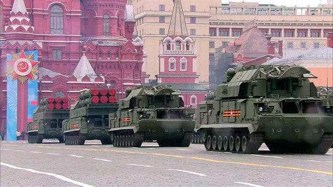 Журналист немецкого телеканала Welt оценил Парад Победы в Москве