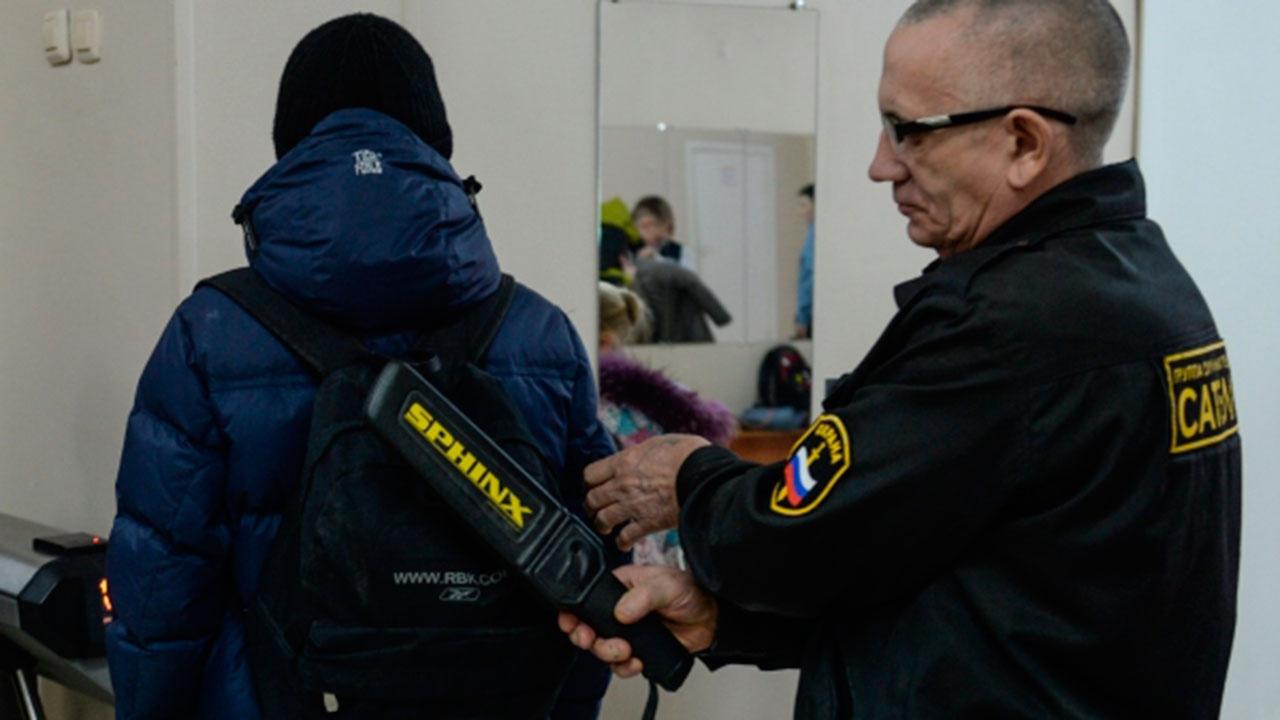 Кузнецова предложила проверить эффективность работы охраны во всех школах РФ