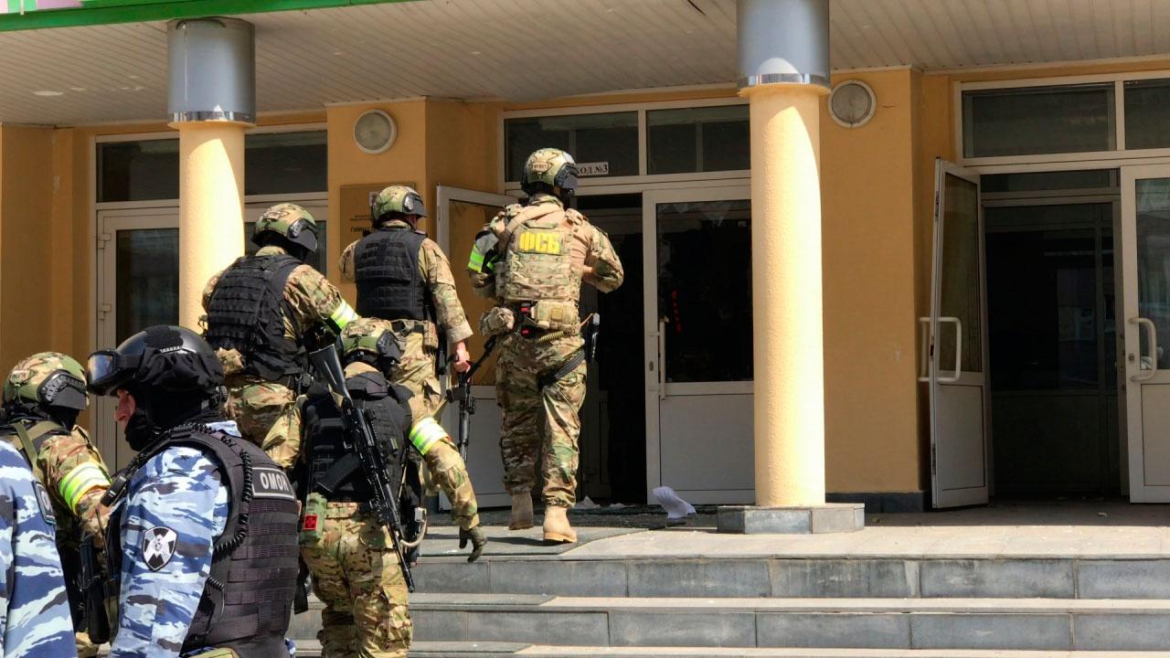 Кравцов доложил Путину о встречах с родственниками пострадавших в Казани