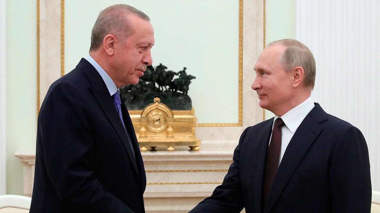 Путин и Эрдоган обсудили поставку вакцины «Спутник V» в Турцию