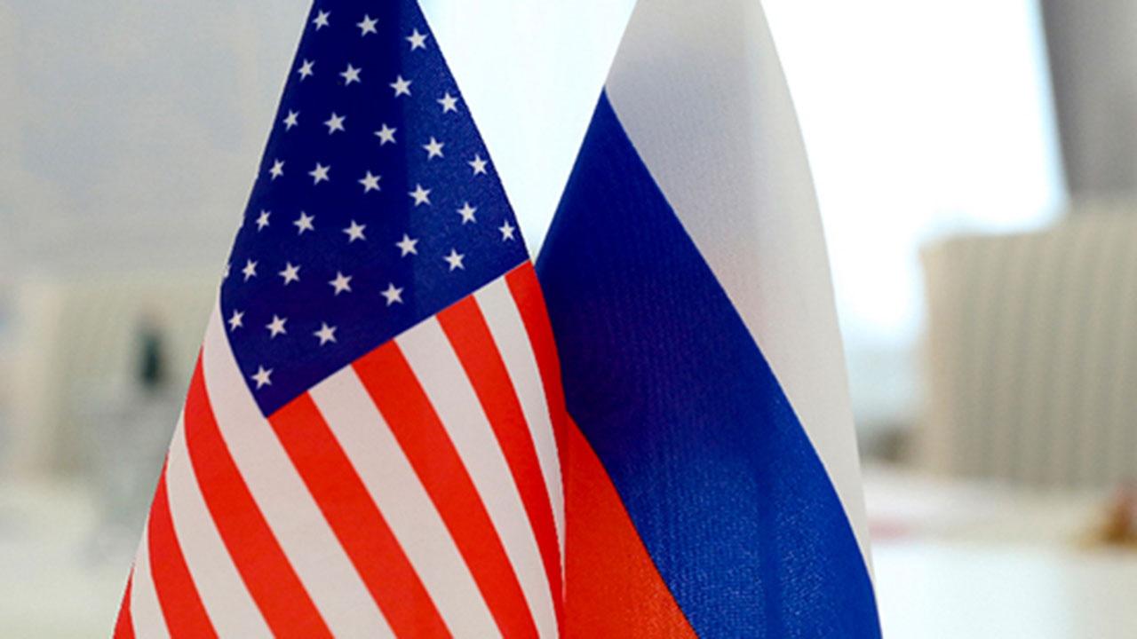 Оливер Стоун обвинил США в «войне» против России