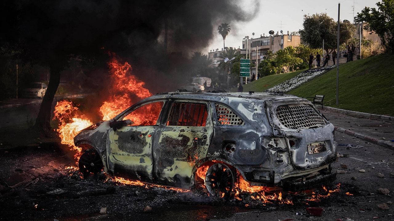 Мэр израильского города Лод призвал ввести армию из-за беспорядков