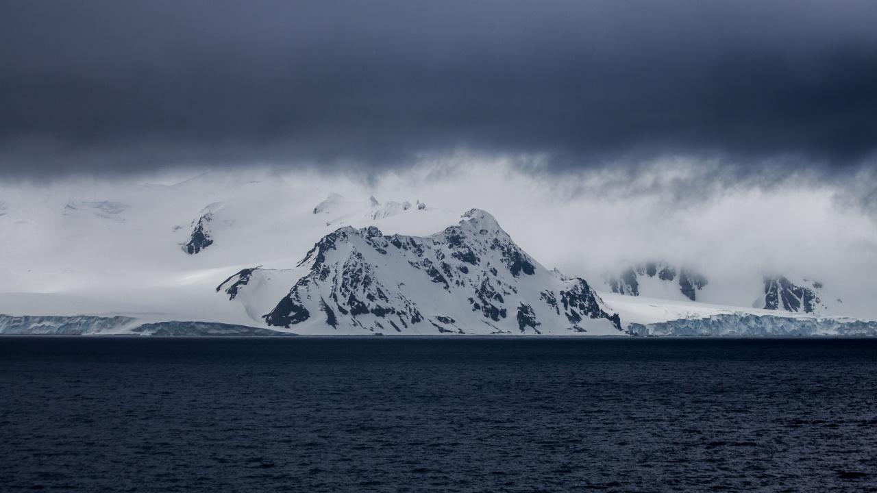 Командующий Северным флотом: НАТО интенсифицирует учения в Арктике