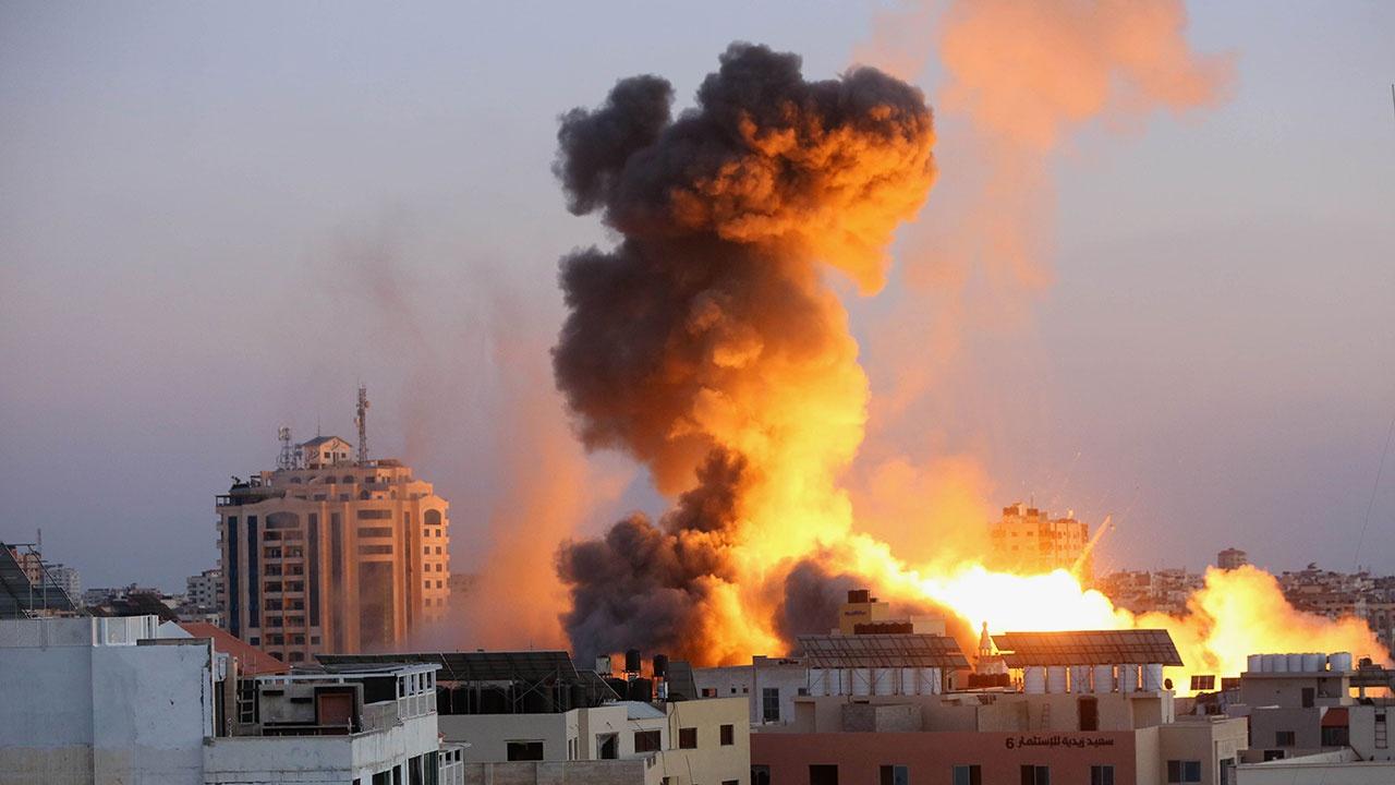 Со стороны сектора Газа по Израилю выпущено более двух тысяч ракет