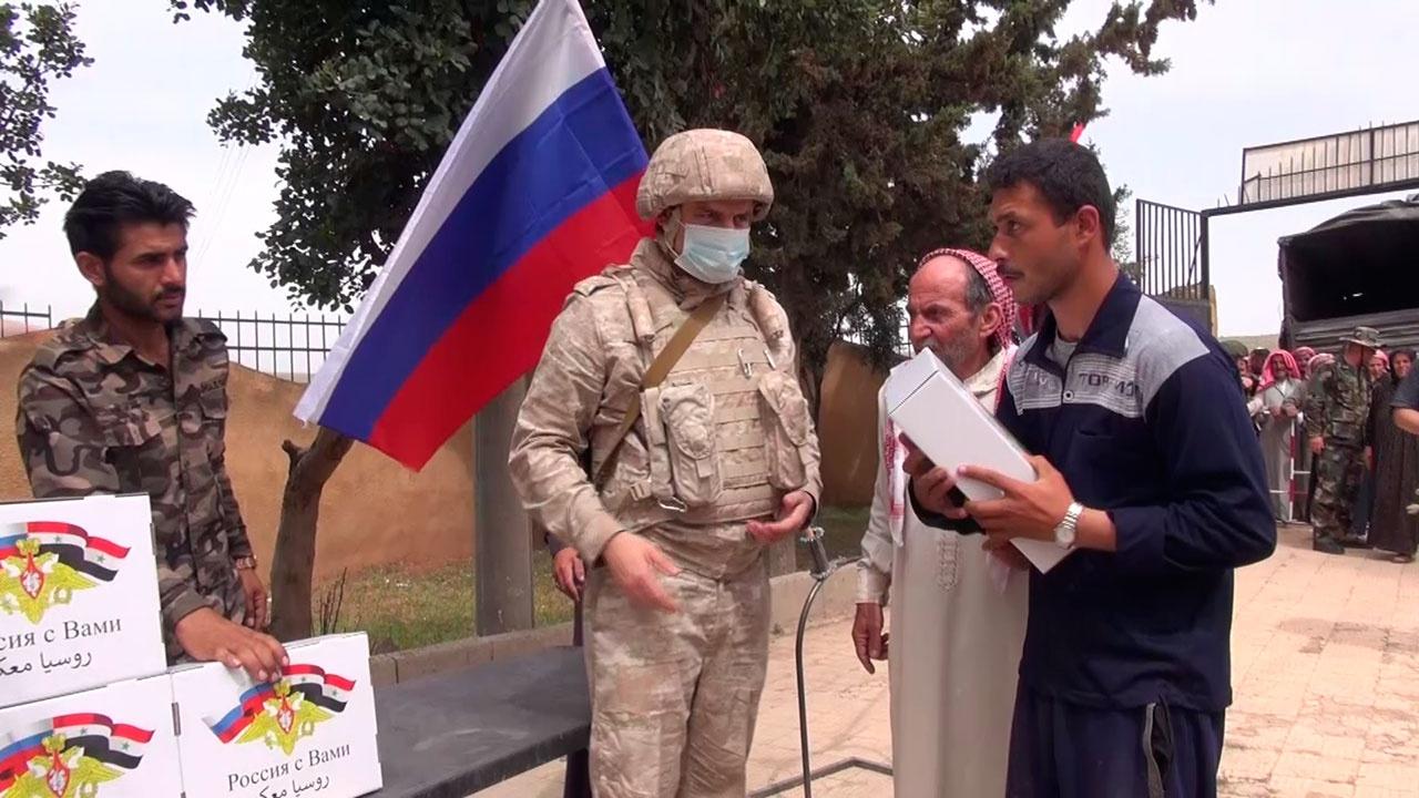 Российские «Камазы» доставили гуманитарную помощь в поселок Ассан в Алеппо