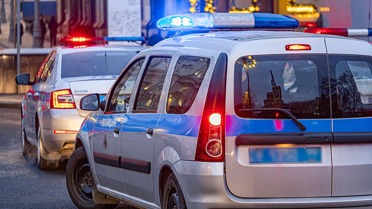 СМИ: мужчина с ножом напал на прохожих в Екатеринбурге