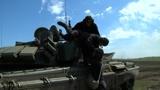 Эвакуировать «раненых» и надеть костюм химзащиты в танке: как соревнуются за победу участники «Танкового биатлона» под Челябинском