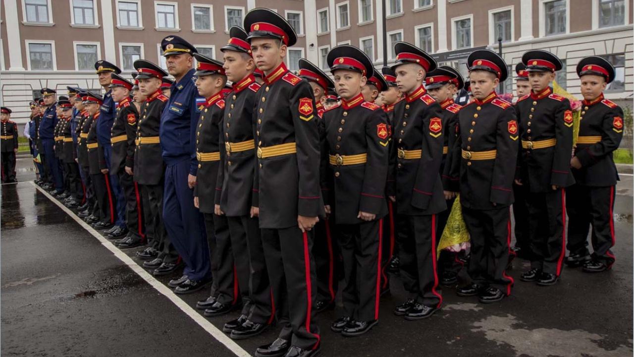 Госдума приняла в первом чтении законопроект о стипендиях учащимся военных учреждений