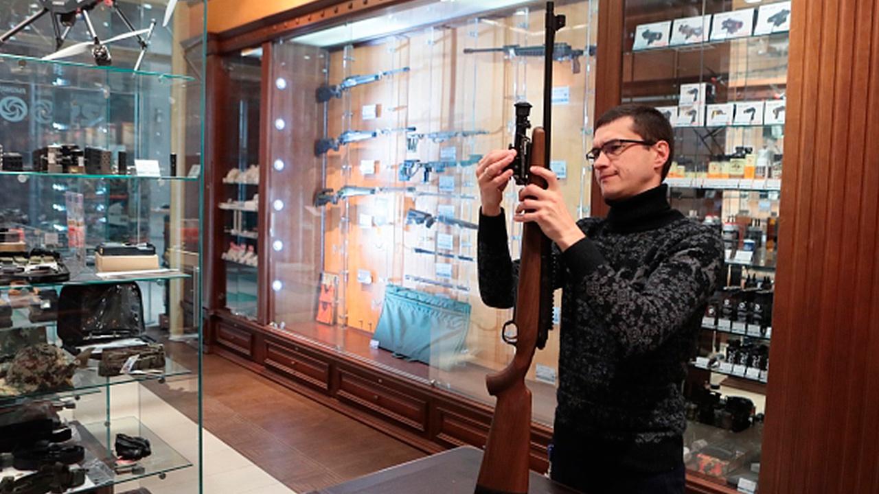 Правительство поддержало изменения в КоАП по обороту оружия