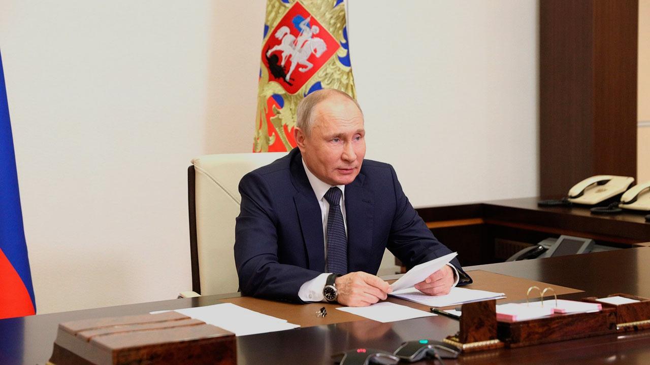 Путин заявил об участившихся попытках оболгать и извратить историю ВОВ с целью сдерживания России