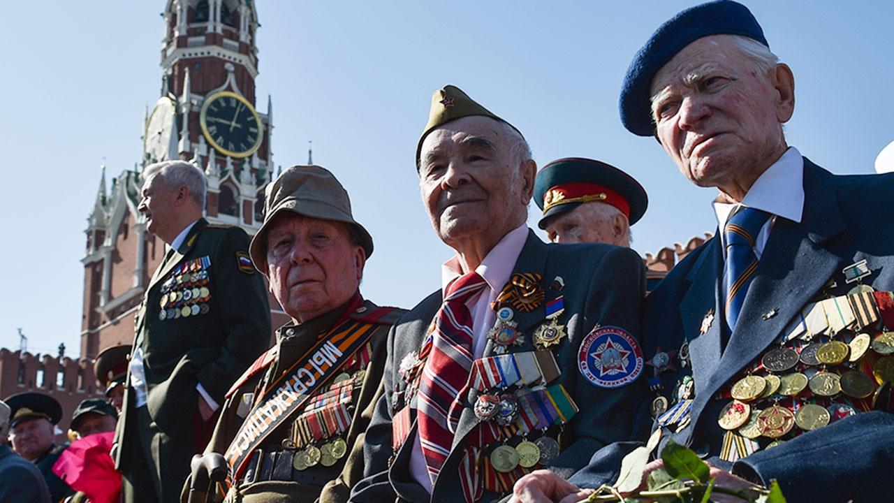 Путин призвал продолжать поддерживать ветеранов и после 9 Мая