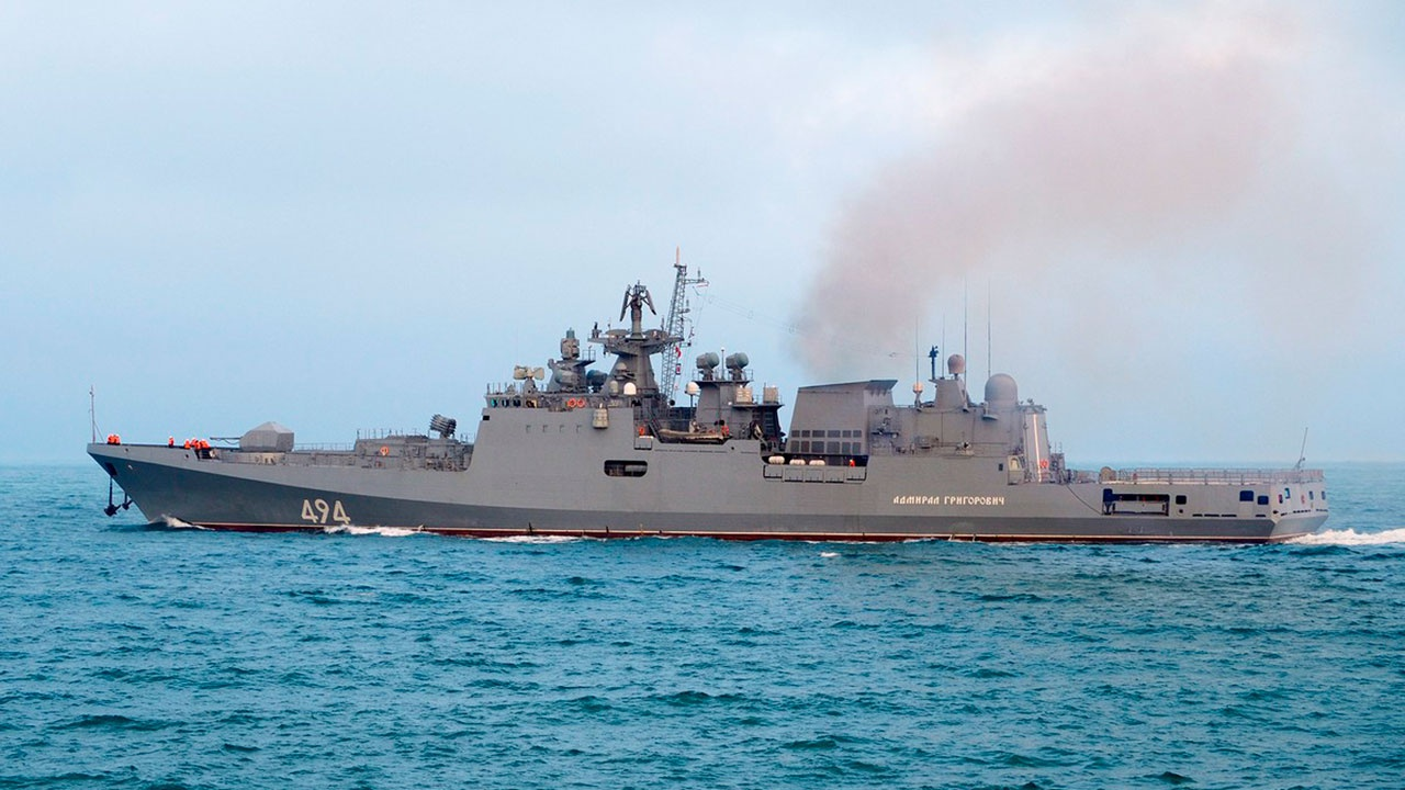 Крейсер «Москва» и фрегат «Адмирал Григорович» поразили воздушные цели на учениях в Черном море
