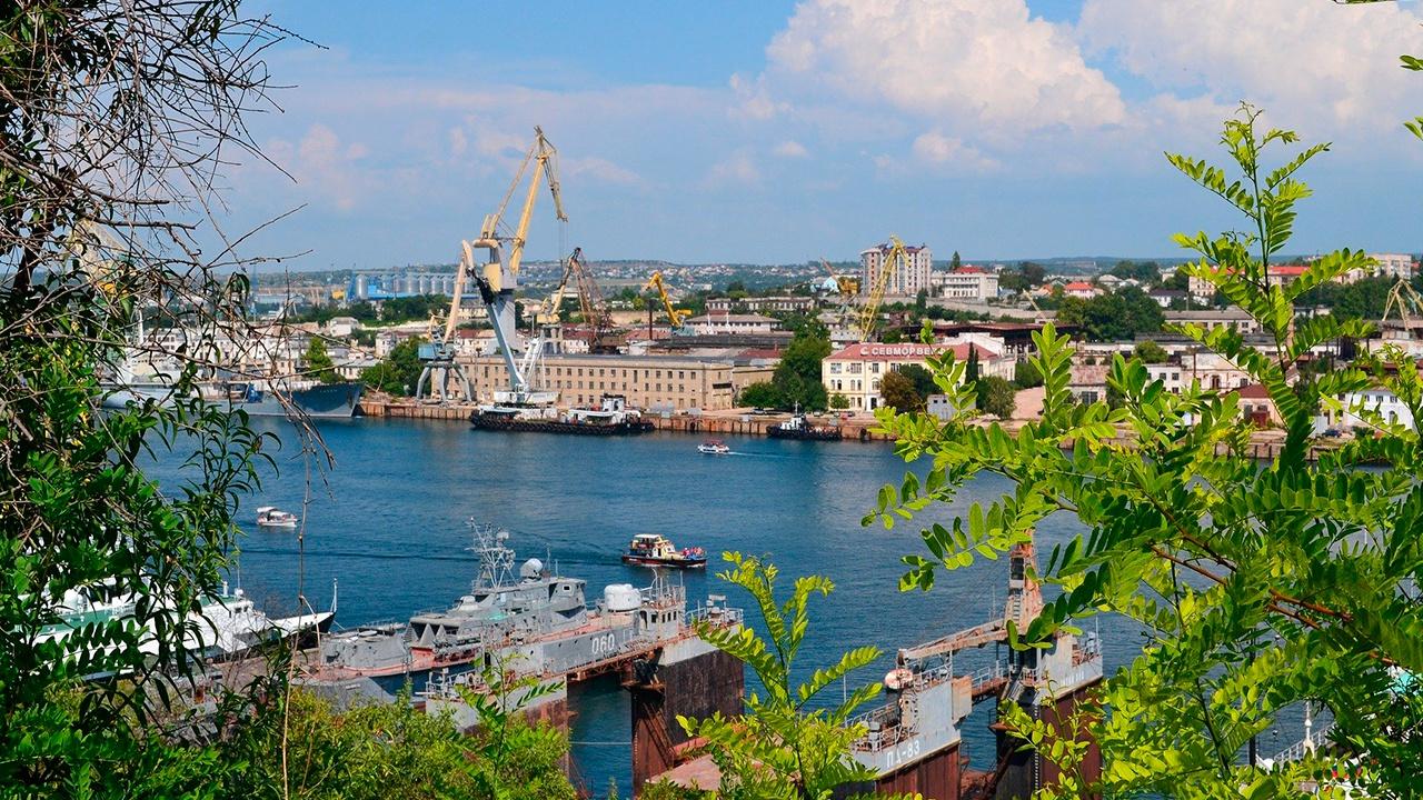 В Крыму предложили Зеленскому заняться демаркацией границы